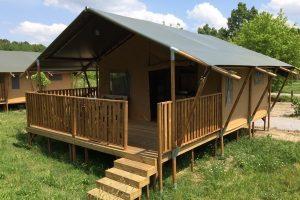 Safari tent met luxe badkamer voor een gweldige vakantie beleving 4 pers. boeken bij - glamping vakanties - www.luxetenthuren.nl