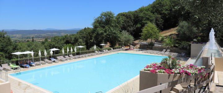 Camping Vallicella in Italië zwembad - camping vakantie in een luxe Safari of Lodgetent boek nu bij www.luxetenthuren.nl