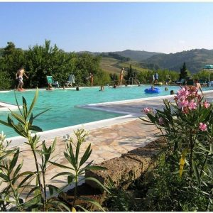 Camping Podere Sei Poorte zwembad - Kleine Familiecamping Italie - www.LuxeTentHuren.nl