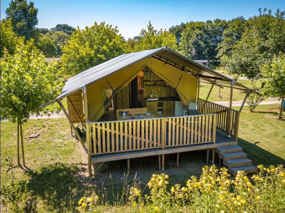 Camping La Clairière - Luxe Safaritent huren - Glamping Vakantie Specialist - www.LuxeTentHuren.nl