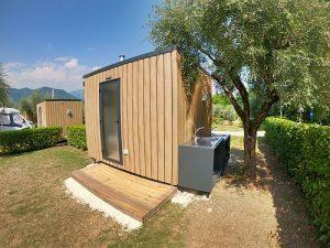 Toscane Glamping - Privé sanitair bij de kampeerplek - www.LuxeTentHuren.nl