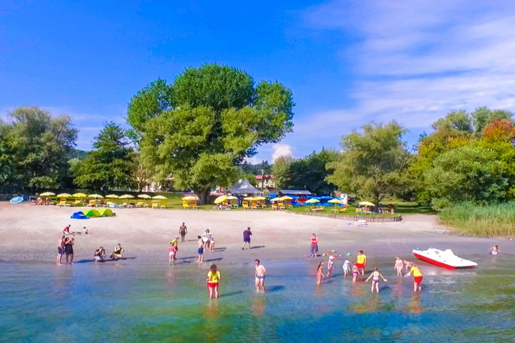 Camping Lago Maggiore - camping Italie Toscane -strand - www.LuxeTentHuren.nl