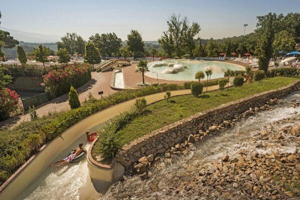 Norcenni Girasole club - camping Italie Toscane -glijbaan - www.LuxeTentHuren.nl