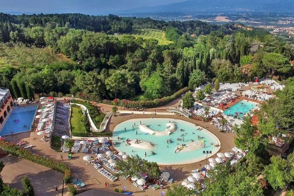 Norcenni Girasole club - camping Italie Toscane - www.LuxeTentHuren.nl