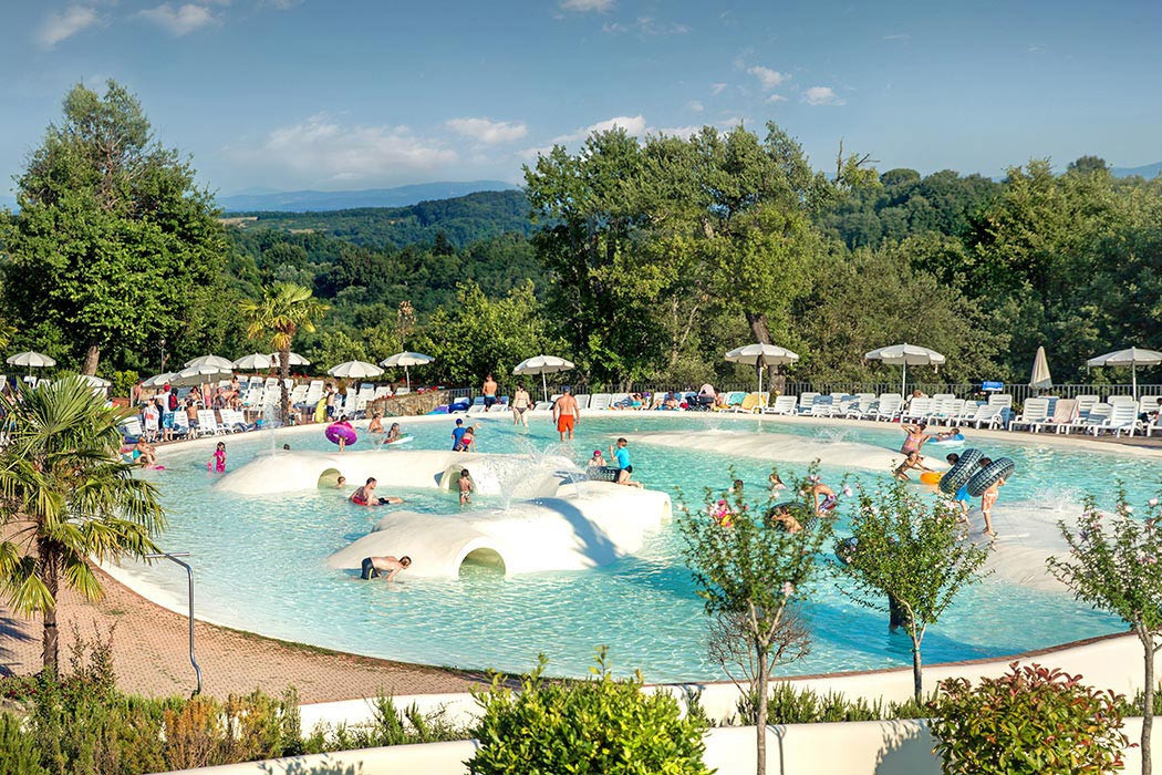 Norcenni Girasole club - camping Italie Toscane -zwembad - www.LuxeTentHure